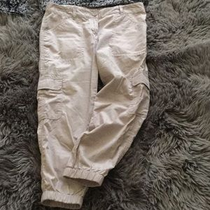 Lightweight cotton cargo pants